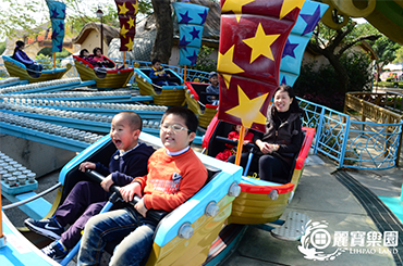 麗寶樂園-探索樂園簡介-陸上樂園簡介機械遊樂設施露娜與海盜